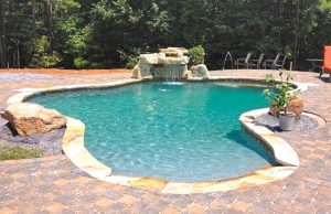accent-boulders-on-inground-pool-280