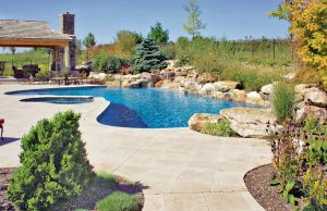 accent-boulders-on-inground-pool-40