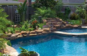 accent-boulders-on-inground-pool-400