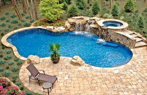 accent-boulders-on-inground-pool-420