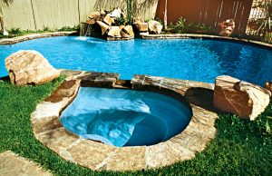 accent-boulders-on-inground-pool-434