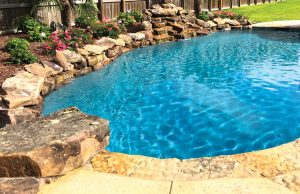 accent-boulders-on-inground-pool-450