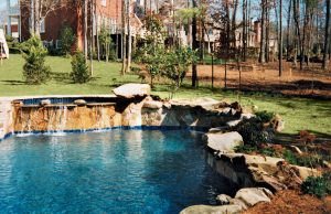 accent-boulders-on-inground-pool-480