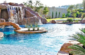 accent-boulders-on-inground-pool-490