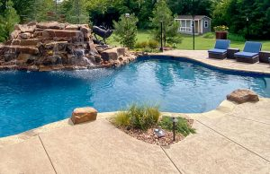 accent-boulders-on-inground-pool-520