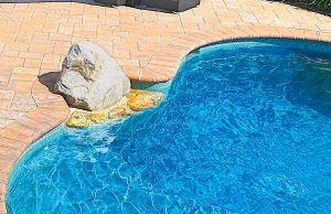 accent-boulders-on-inground-pool-70