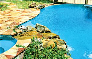 accent-boulders-on-inground-pool-80