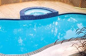 9-pool-deck