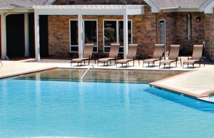 zero-beach-entry-pool-160