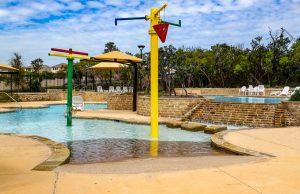 zero-beach-entry-pool-410
