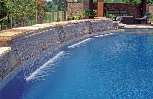 Triple cascade waterfall pool feature