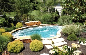 Gunite spa with jets