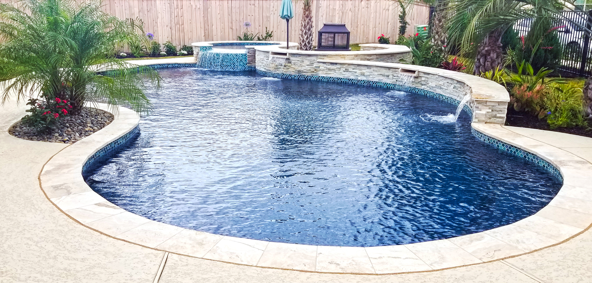 Houston Custom Swimming Pool Builders