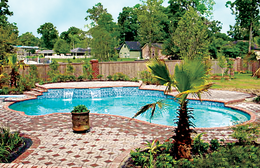 Gallery blue haven custom swimming pool and spa builders for Latest swimming pool designs