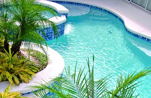 9-tampa-pool_over_planter