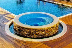 rimflow-spa-on-custom-pool-190B