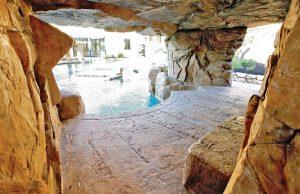 rock-grotto-inground-pool-400c