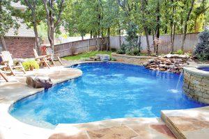 swimming-pool-jumping-rock-100