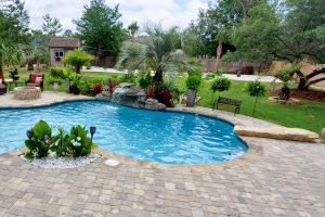 swimming-pool-jumping-rock-70