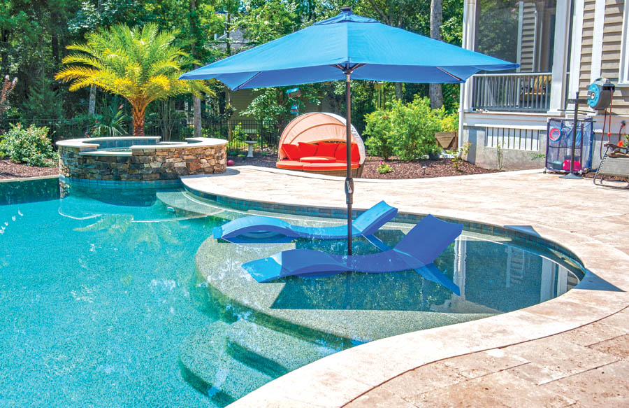 Pool lounge tanning ledge photos blue haven pools for Pool design with tanning ledge