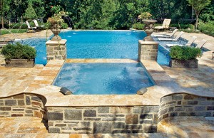 vanishing edge pool with spa and laminar jets